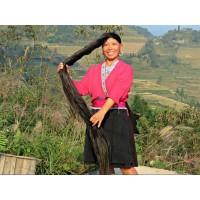 Почему у всех женщин деревни Huangluo  красивые двухметровые  волосы ?