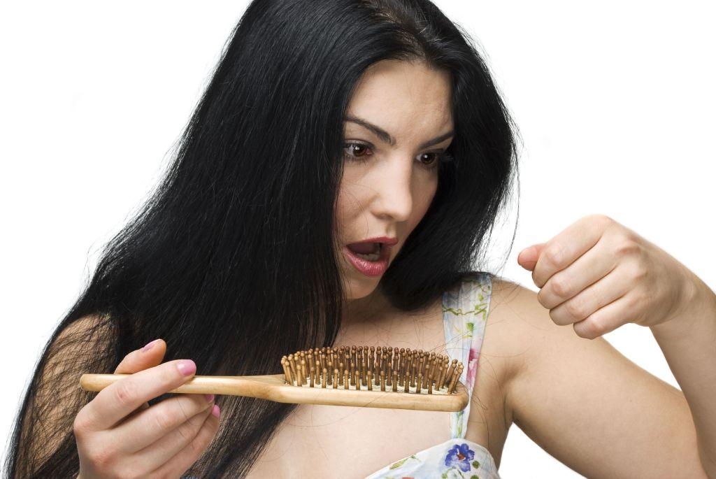 Народные средства от выпадения волос и для роста волос